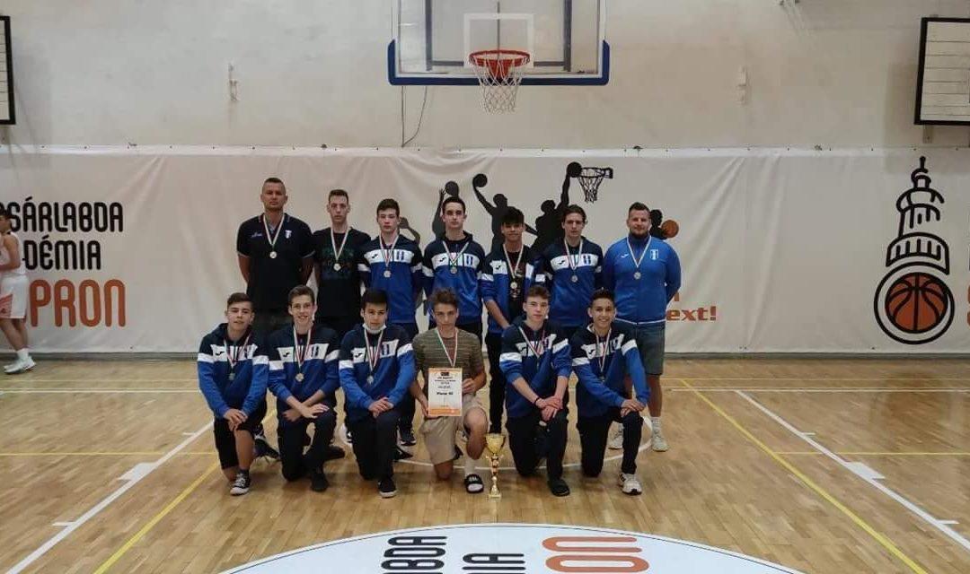 Ezüstérmet szerzett a fiú kadett kosárlabdacsapat a Regionális Bajnokok Döntőjén